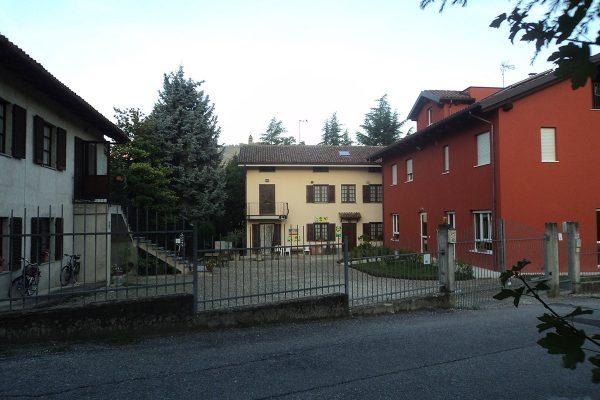 Le nostre case e il cortile